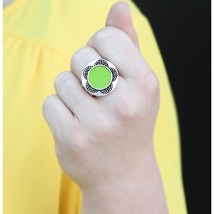 Vintage Paparazzi! A Sunny Disposition- Green Ring